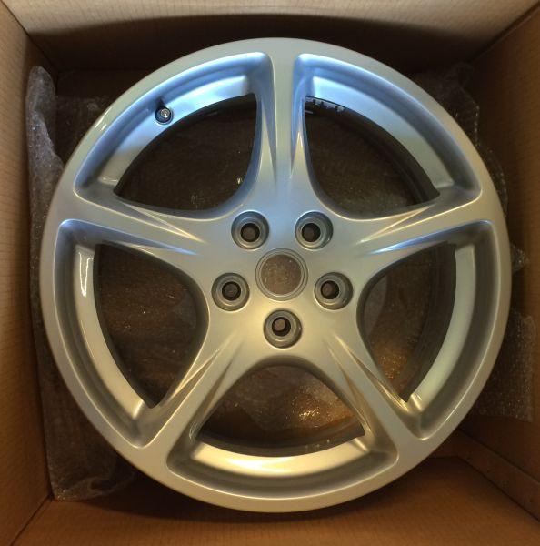 "Wheel Rim 8""J X18"" front / Felge 8"" J X 18"" vorn"