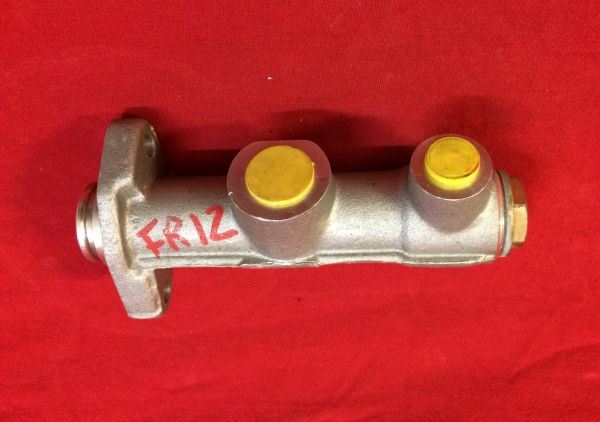 Clutch Master Cylinder / Kupplungsgeber Zylinder