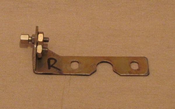 Bracket for Hood Release Cable - right side front / Gegenhalter für Zug zur Haubenentriegelung