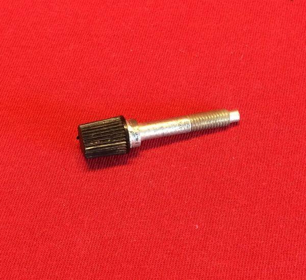 Screw long for Instruments in Main Dash / Schraube lang, für Instrumente