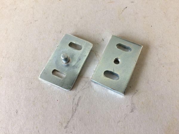 Brackets for front Hood Lock / Teile für Fronthauben Verriegelung