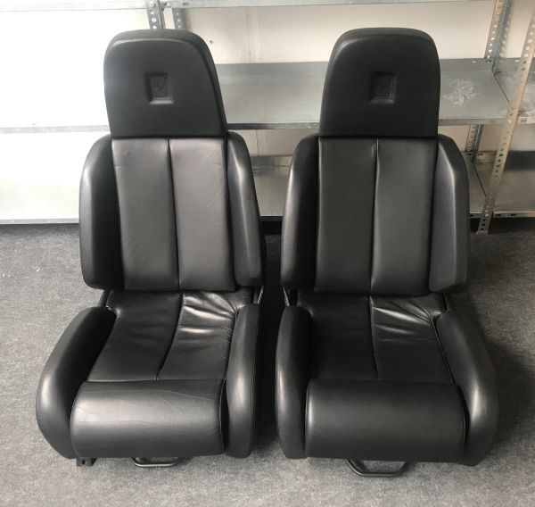 Testarossa - Pair of black Seats / Paar Sitze schwarz