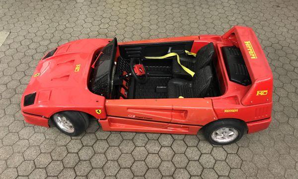 Ferrari F40 Ride On Toy - Eletrical Child Car / Kinder Elektro Auto