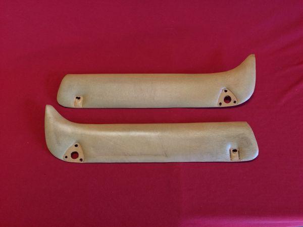 Pair of Covers under Sunvisor - beige / Paar Verkleidungen unter Sonnenblenden - beige