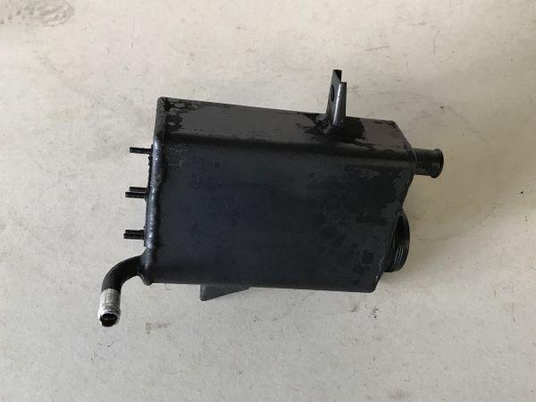 Reservoir for Steering Fluid / Behälter für Lenkungsflüssigkeit