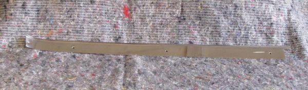 Chrome Trim at rear right Vent Window / Chromleiste an hinterem Ausstellfenster - rechts