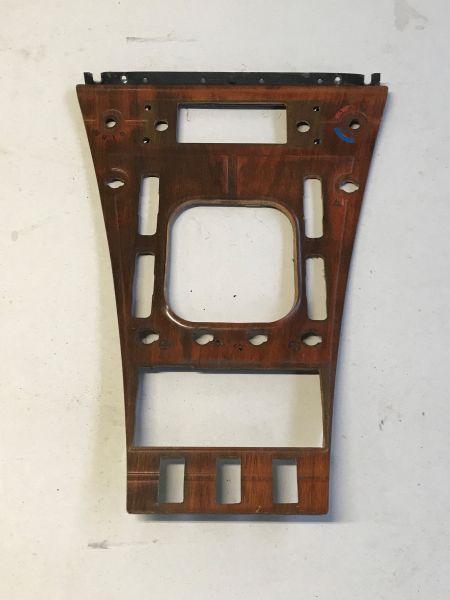 Wood Insert in Center Console / Holzeinsatz Mittelkonsole