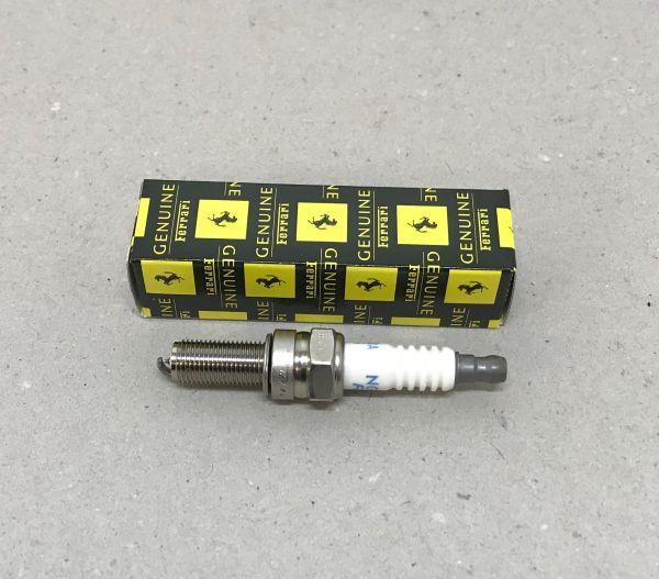 Spark Plug / Zündkerze