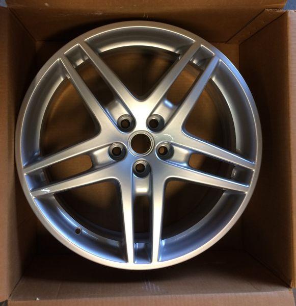 """Wheel Rim 19"""" - front / Felge 19"""" vorne"""