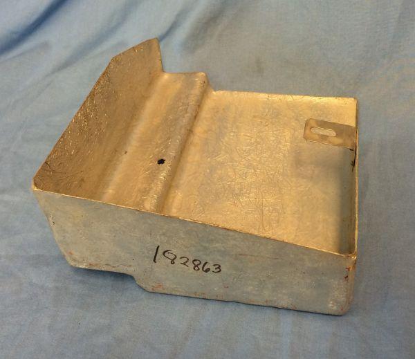 Cover for Fuel Vapor Filter / Abschirmung für Filtereinheit Tankentlüftung